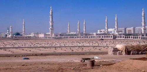 baqee and masjid.jpg