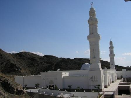MasjidSabaa replacing the 7 masjids in madinah.jpg