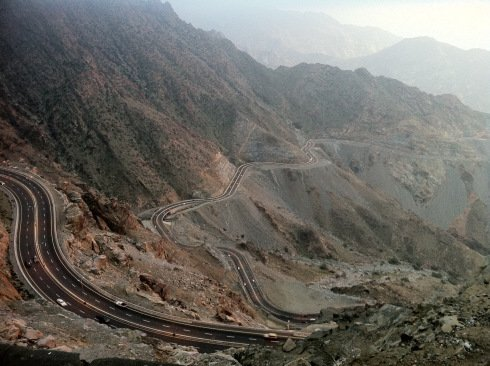 taif - winding rd view of the winding road coming towards Taif – the view is breathless,.jpg