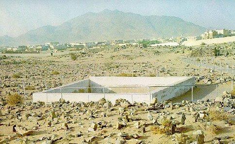 Badr Ghazwa-e-Badar-was-fought-here.jpg