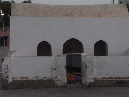 3 masjids - masjid salman farsi below.jpg