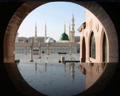 Masjid-an-Nabawi from circle.jpg