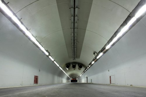 tunnel empty.jpg