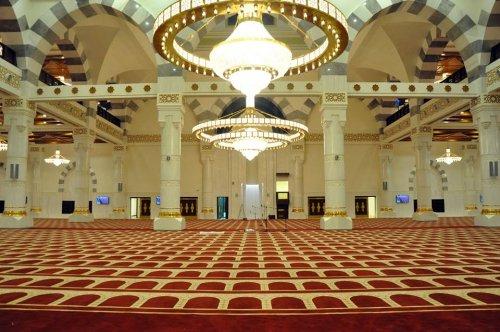 Aisha Al-Rajhi Mosque - inside.jpg