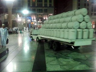 zamzam water transported to masjid nabawi.jpg