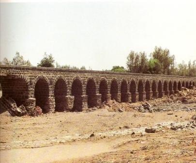Aqeeq vally - Ottoman bridge over valley.jpg