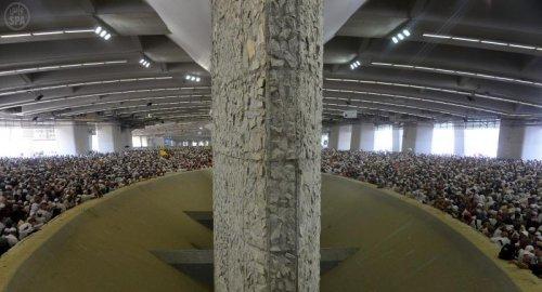 stoning at jamarat2.jpg