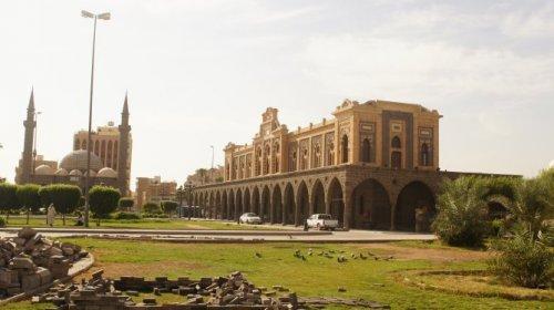 hijaz railway station with masjid ambariyah.jpg