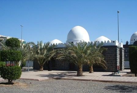 masjid suqya within station walls.jpg